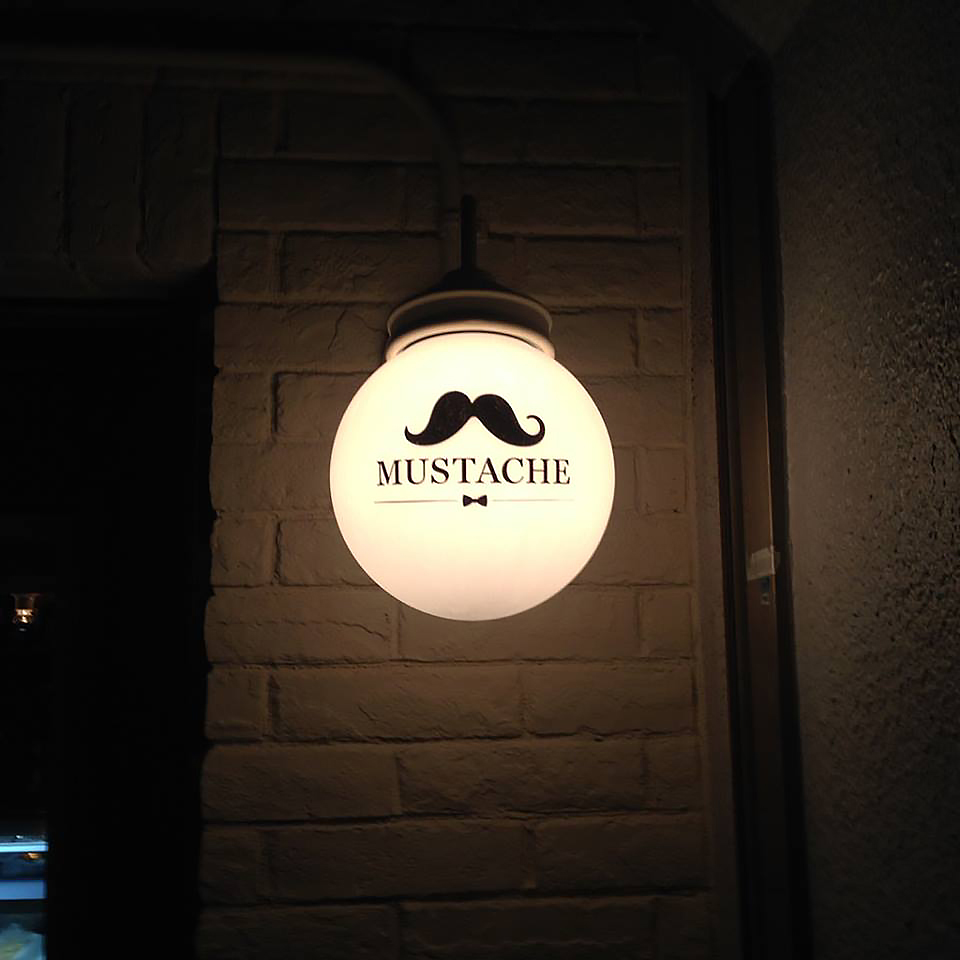 mustache_02